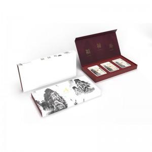 กล่องใส่ทอง คอลเลคชั่น ภายในบุกำมะหยี่สีแดงเลือดหมู